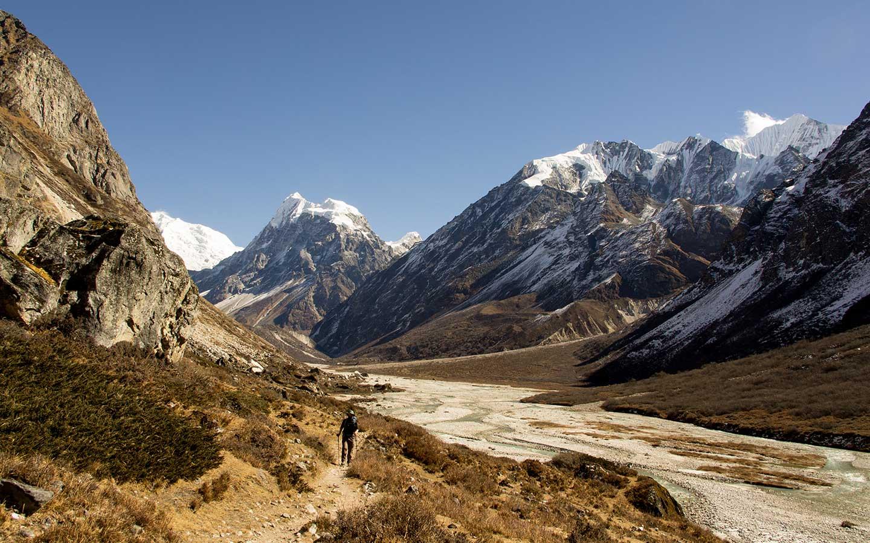 Langtang Gosaikunda Trek Trekking in Nepal in May