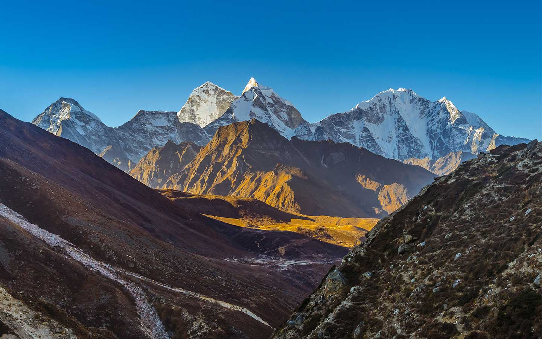 everest panorama trek in december